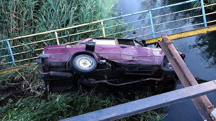 В Мариуполе ВАЗ с моста улетел в реку(ФОТО), фото-7