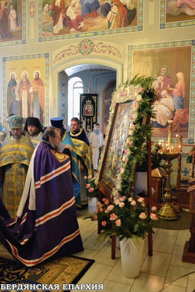В кафедральном соборе Бердянска прошло праздничное богослужение, фото-2