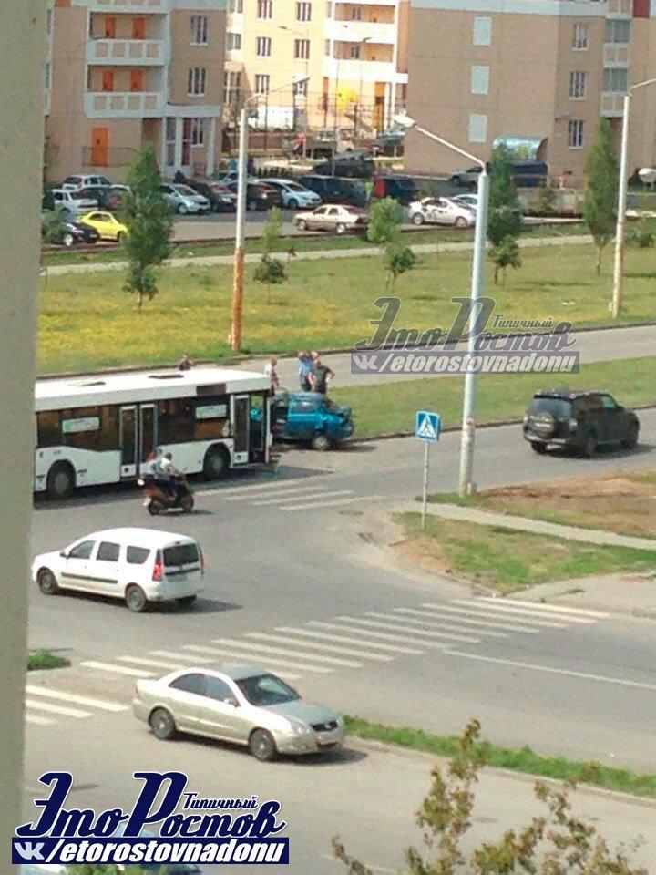 Один человек пострадал в ДТП с участием маршрутки в Ростове, фото-1