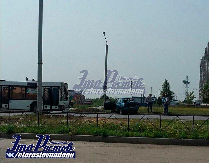 Один человек пострадал в ДТП с участием маршрутки в Ростове, фото-2