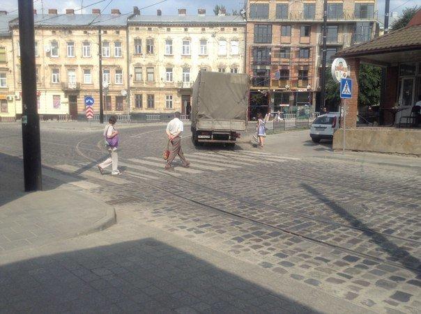 Львів'яни пропонують встановити світлофор поблизу ринку на вулиці Замарстинівській (ФОТО), фото-2