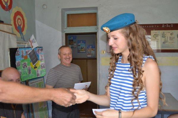 Курсанты Енакиевского авиаклуба получили памятные свидетельства, фото-2