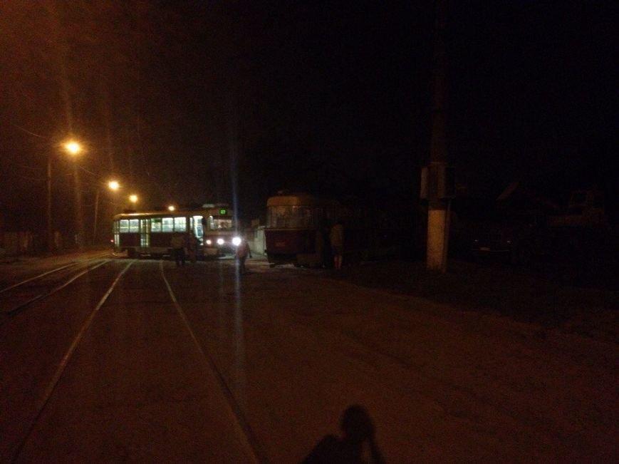 На Новожаново второй вагон трамвая обогнал первый (ФОТО), фото-1