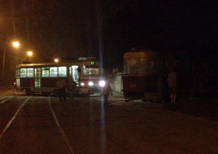 На Новожаново второй вагон трамвая обогнал первый (ФОТО), фото-2