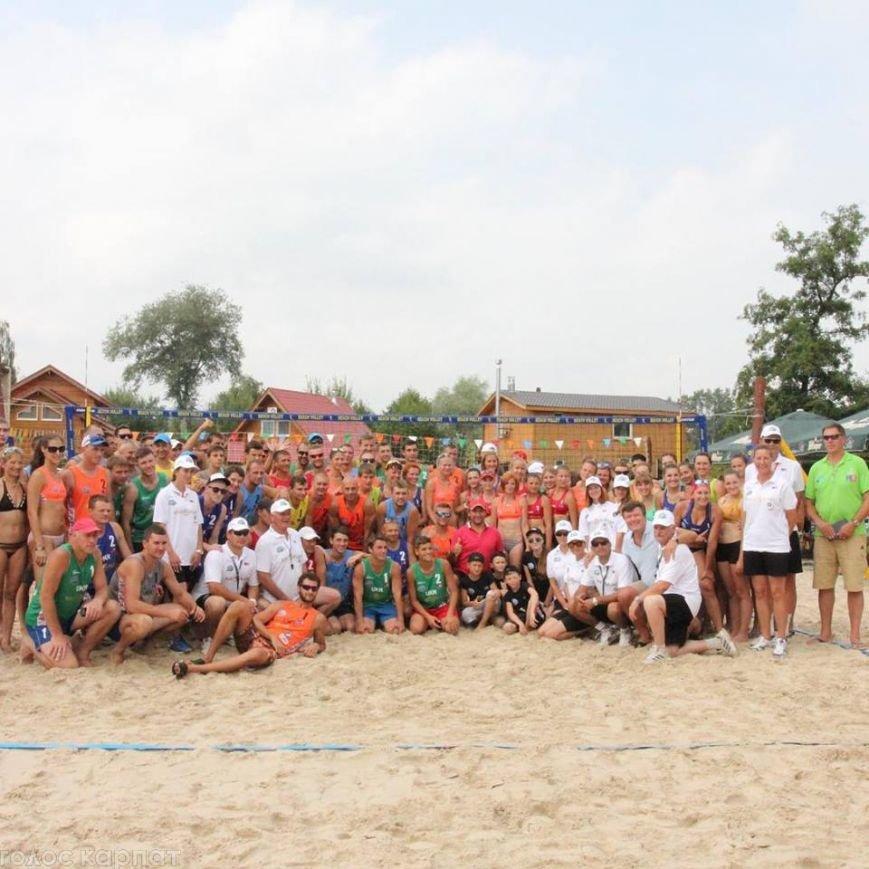 Ужгородець переміг на міжнародному турнірі з пляжного волейболу: фото, фото-1