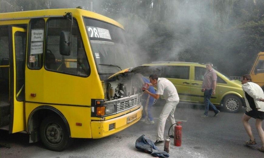 У львівському автобусі виникло займання електропроводки (ФОТО), фото-1