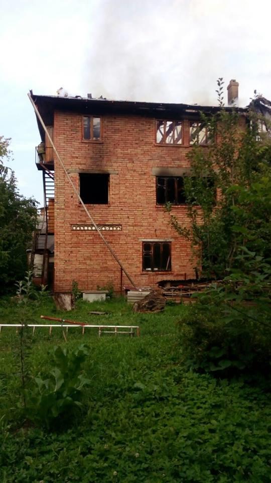 Дитячі пустощі з вогнем призвели до пожежі в будинку. 4-річний хлопчик отримав численні опіки (ФОТО), фото-3