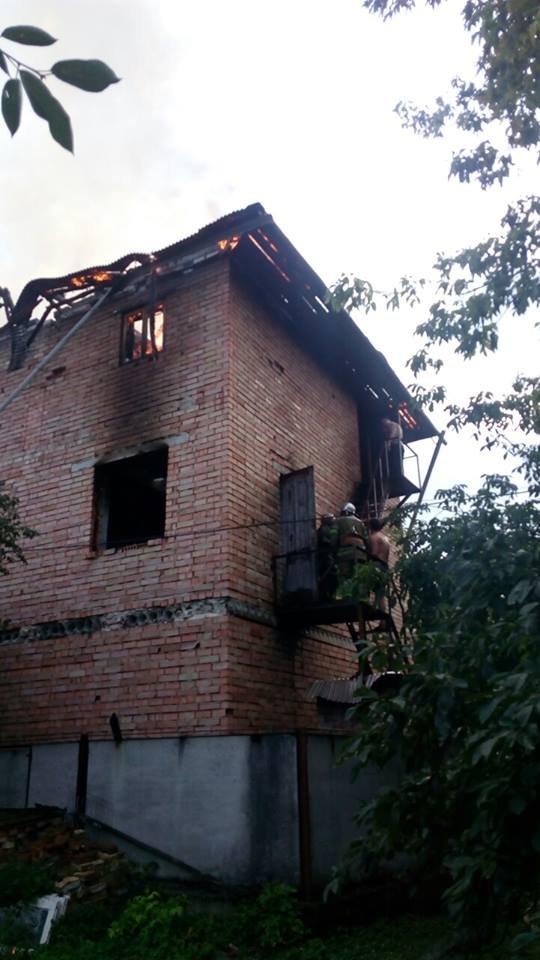 Дитячі пустощі з вогнем призвели до пожежі в будинку. 4-річний хлопчик отримав численні опіки (ФОТО), фото-4