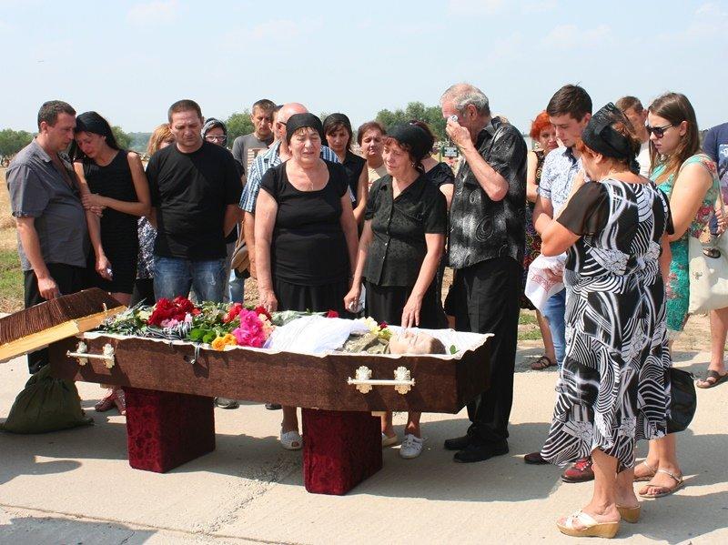 В Запорожье простились с 30-летним десантником, который погиб в АТО, - ФОТО, фото-5