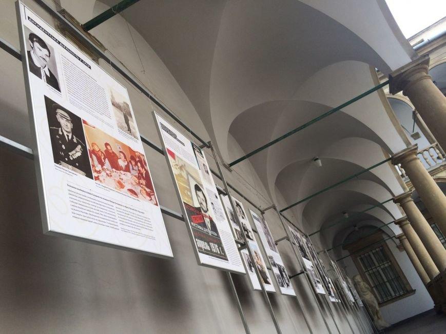 В Італійському дворику можна подивитися виставку про Муставу Джемільєва (ФОТО), фото-4