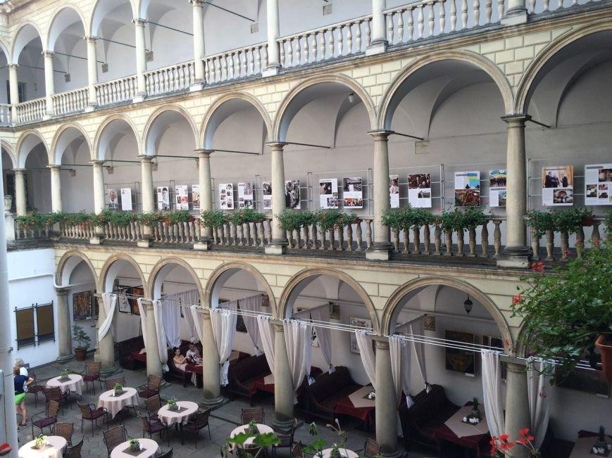 В Італійському дворику можна подивитися виставку про Муставу Джемільєва (ФОТО), фото-6