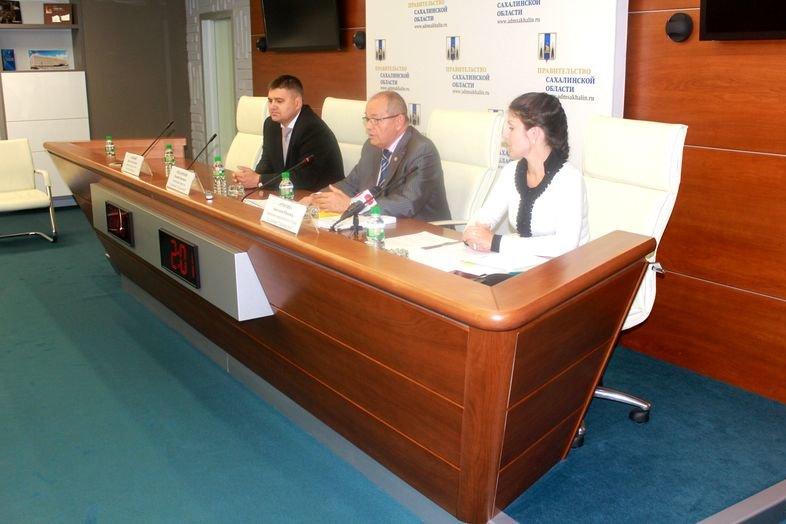 В доме правительства Сахалинской области обсудили строительную отрасль, фото-4