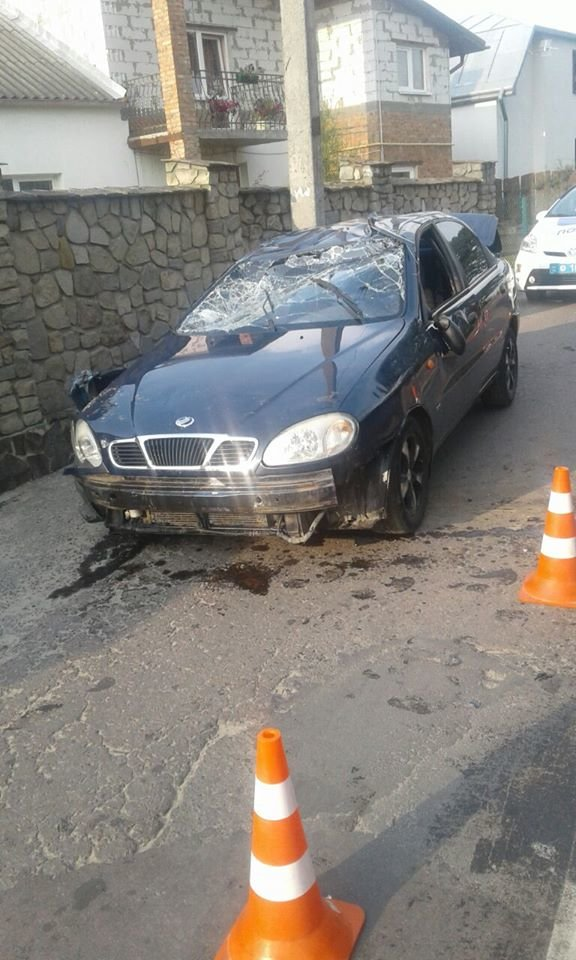 У Львові перекинувся автомобіль, фото-1