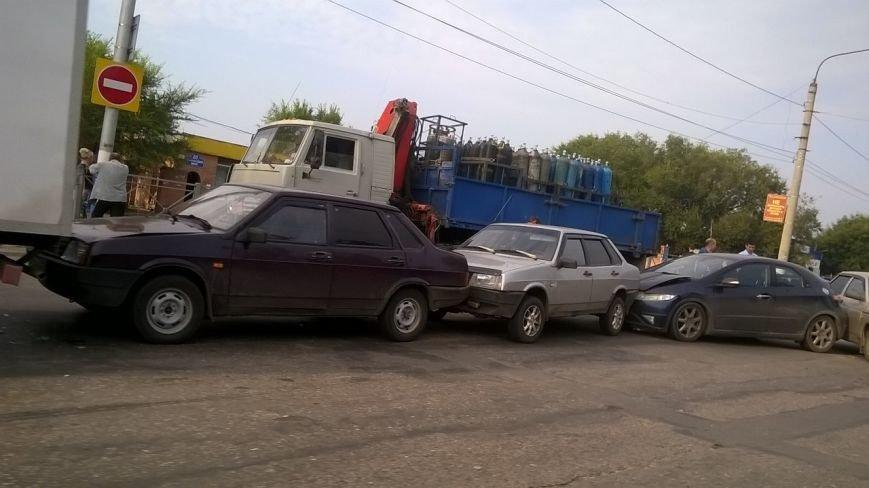 В Заволжье столкнулись пять автомобилей, фото-1