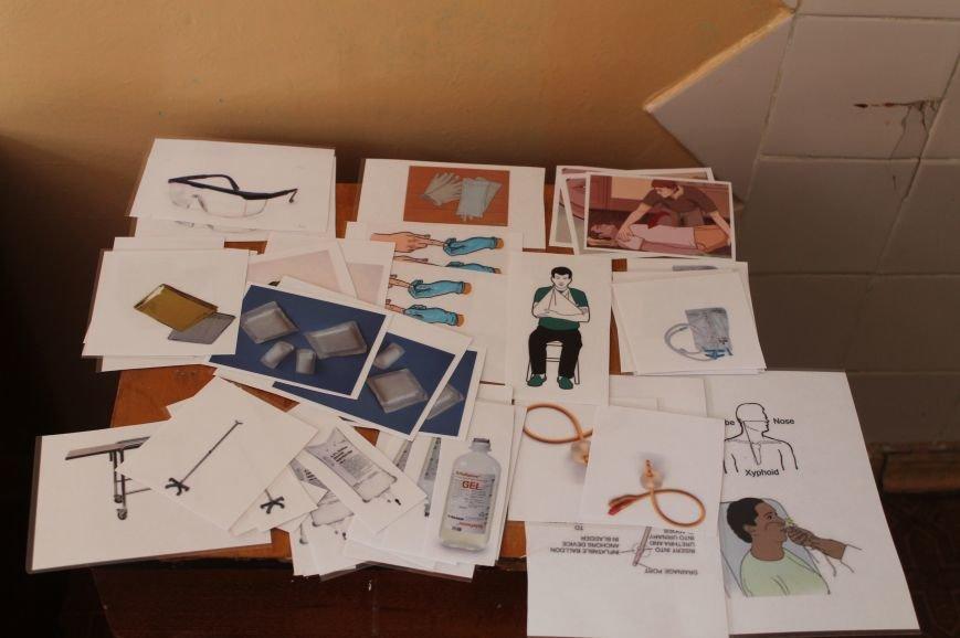 Врачи Бахмутской ЦРБ на практике «оказывали помощь» большому количеству пострадавших, фото-6