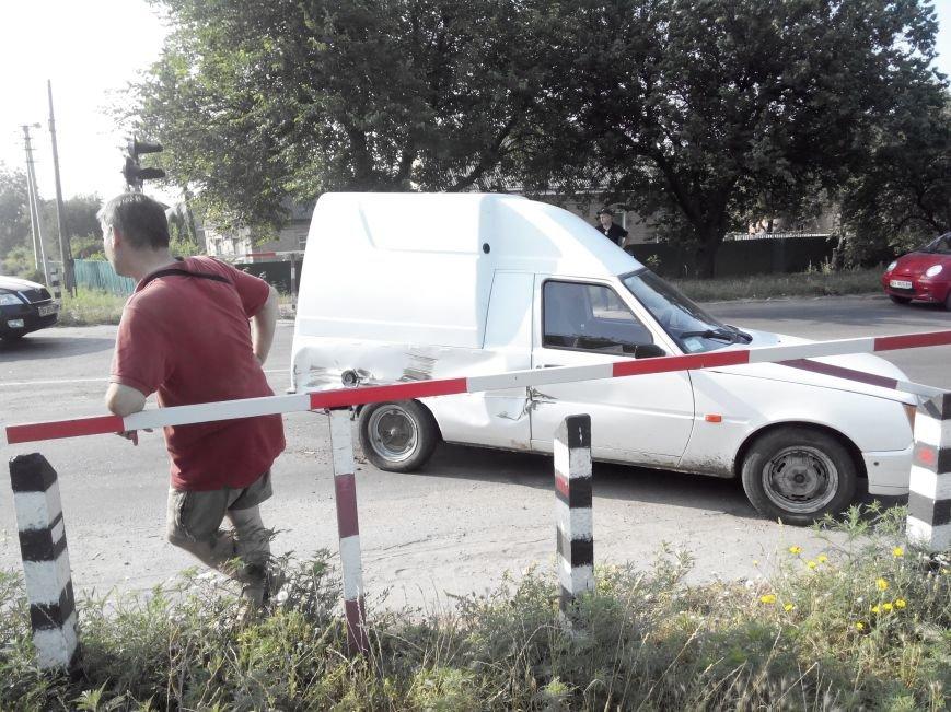 ДТП в Кропивницком: дрезина протаранила легковой автомобиль (ФОТО), фото-2