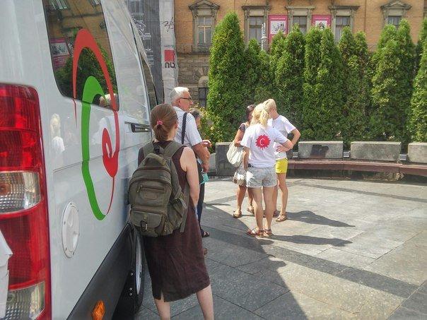 Сьогодні у центрі Львова усі охочі можуть пройти безкоштовний тест на виявлення гепатиту С (ФОТО), фото-1