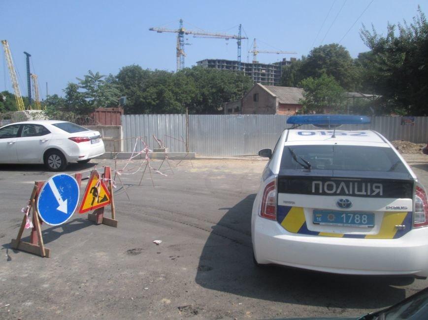 В Одессе под завалами от бетонной плиты находятся строители (ФОТО), фото-2