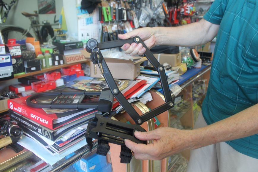 Як в Ужгороді крадуть велосипеди: фоторепортаж, фото-6