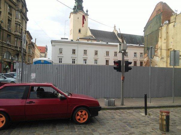 Львів'яни пропонують відновити пам'ятку архітектури на площі Адама Міцкевича (ФОТО), фото-2