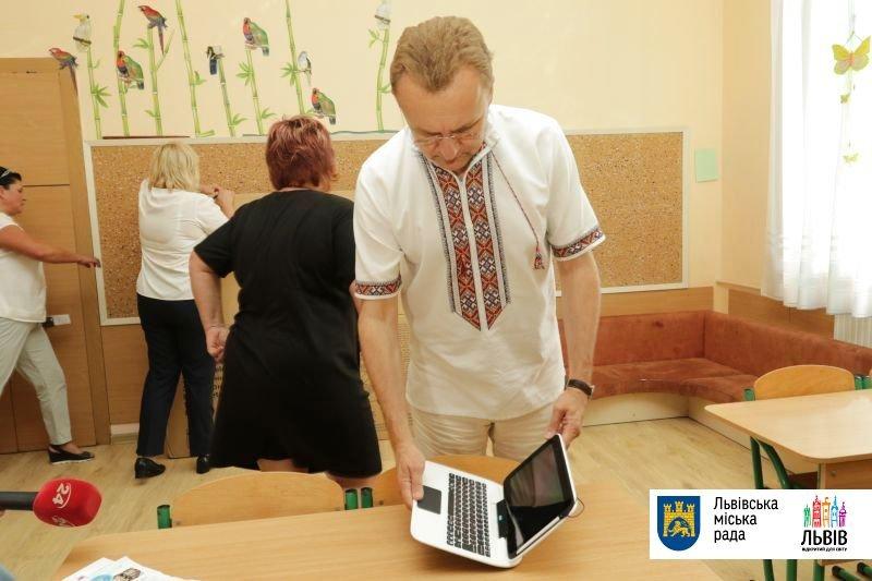 Учні львівської школи «Джерельце» у новому навчальному році матимуть планшети (ФОТО), фото-2