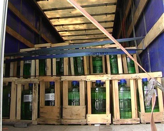 В Сумах задержали фуру, которая перевозила 8 тонн фальсифицированной водки (ФОТО), фото-3