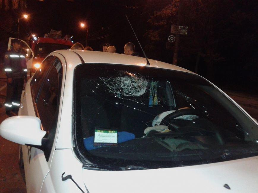 Понівечені автомобілі: у Тернополі зіткнулись таксі і легковик (ФОТО), фото-6