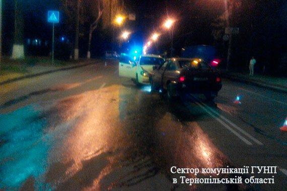 Обставини вечірнього ДТП у Тернополі: двоє – в лікарні, винуватець аварії найімовірніше був п'яним  (Фото), фото-3