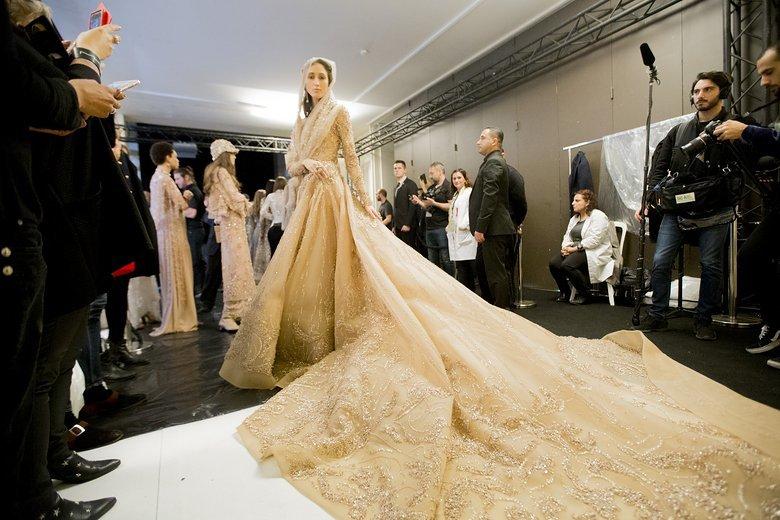 26-backstage-elie-saab-couture-spring-2016