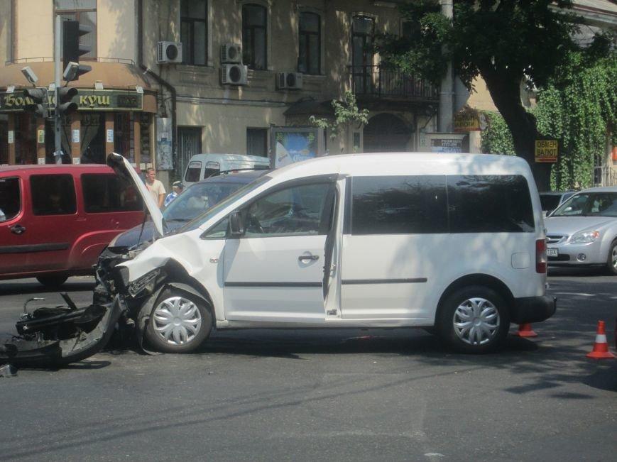 Центр Одессы застыл в пробке из-за аварии на Екатерининской (ФОТО), фото-4