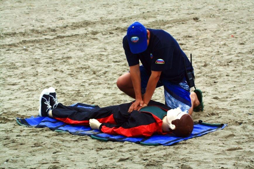 Анивские спасатели провели учения по спасению сахалинцев на пляже, фото-6