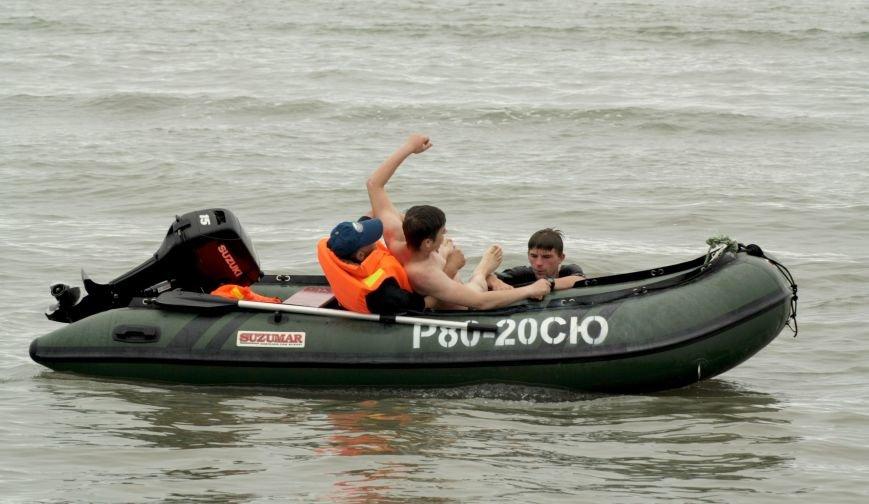 Анивские спасатели провели учения по спасению сахалинцев на пляже, фото-5