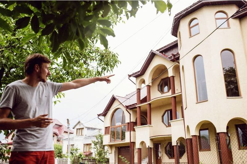 Закарпатські румуни будують собі вілли з 30-ма спальнями, фото-4