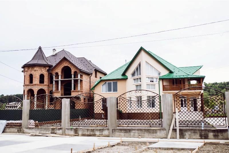 Закарпатські румуни будують собі вілли з 30-ма спальнями, фото-3