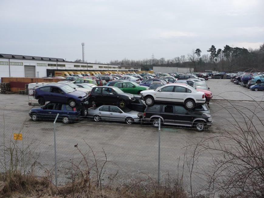 Сумне видовище: звалище автомобілів старше 10 років у Німеччині (ФОТО), фото-4