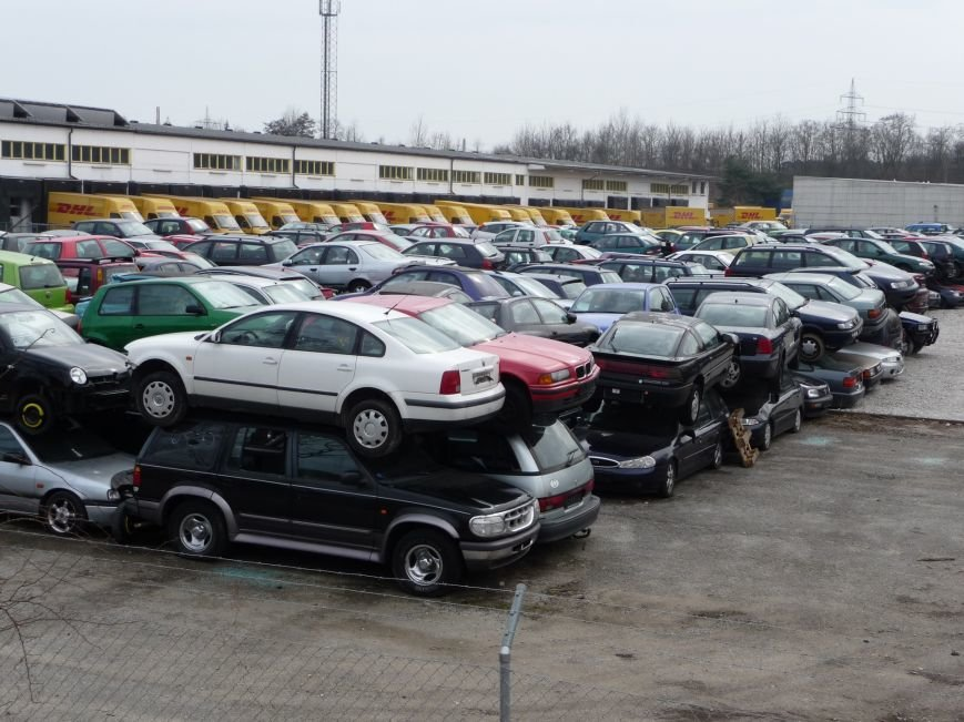 Сумне видовище: звалище автомобілів старше 10 років у Німеччині (ФОТО), фото-2
