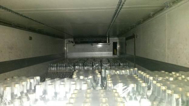 Поліція на Львівщині конфіскувала фальшиву горілку на суму понад 1 мільйон гривень (ФОТО), фото-1