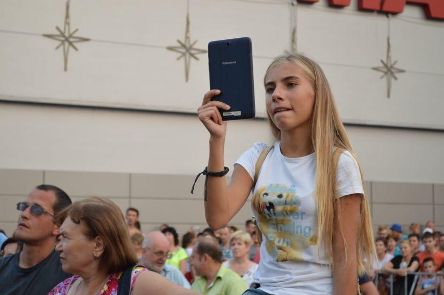 "Сотни запорожцев собрались посмотреть концерт участников ""Х-фактора"" (ФОТО), фото-9"