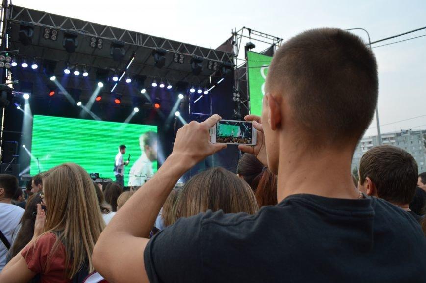 "Сотни запорожцев собрались посмотреть концерт участников ""Х-фактора"" (ФОТО), фото-7"