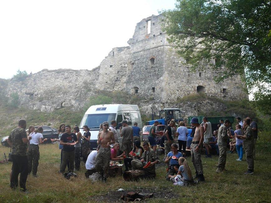 «Сокіл» розпочав відновлювати історію нашого краю з суботника із Токівського замку рідного села нардепа Головка (фото), фото-3