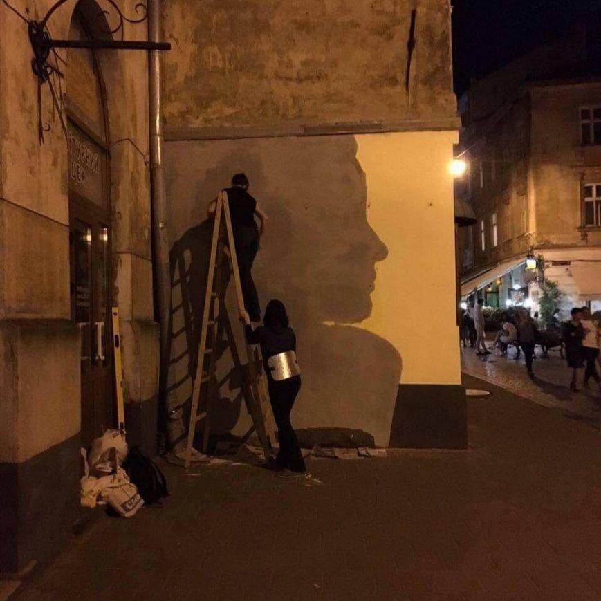 У Львові три сестри розписали одну із стін на вул. Краківській віршем Симоненка (ФОТО), фото-3