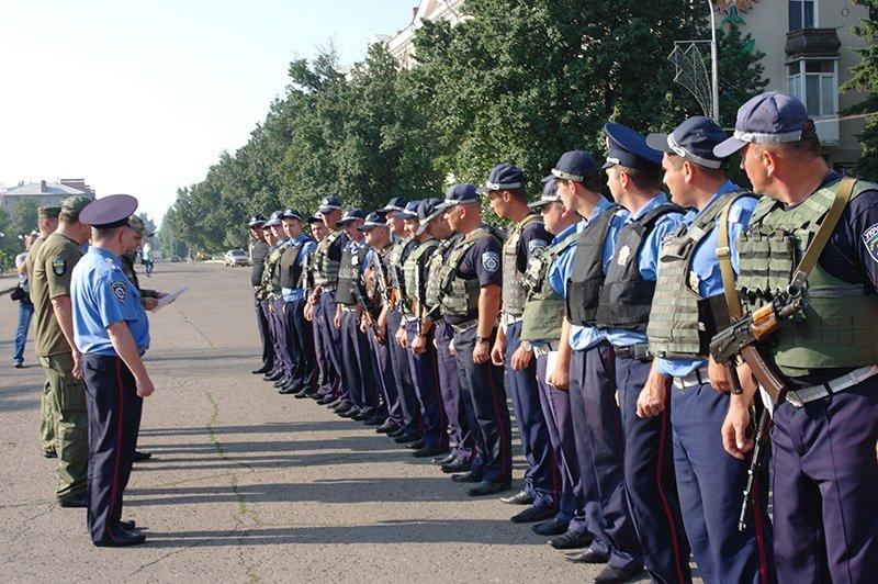 На дорогах Бахмутского района работают 18 нарядов полиции, фото-3