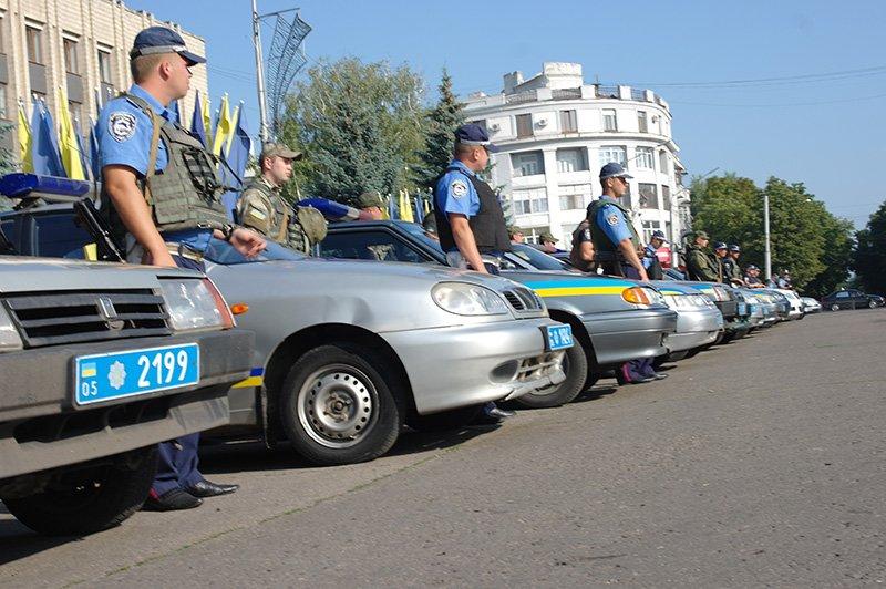 На дорогах Бахмутского района работают 18 нарядов полиции, фото-1