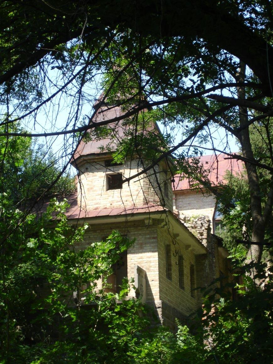 Будинок з привидами на березі Росі, фото-1