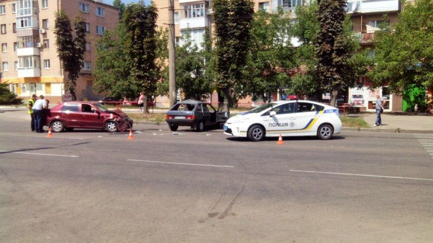 В Кропивницком произошло серьезное ДТП, пострадали люди (ФОТО), фото-11