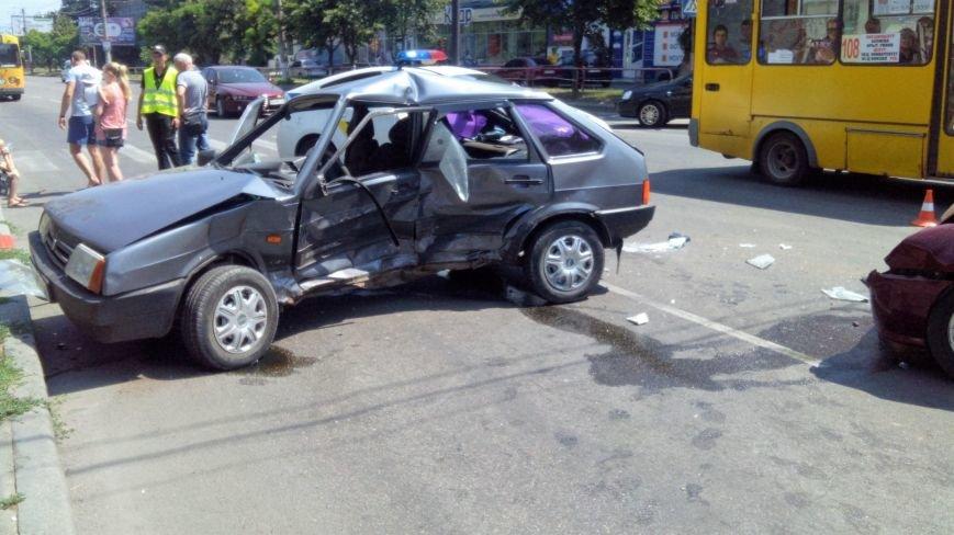 В Кропивницком произошло серьезное ДТП, пострадали люди (ФОТО), фото-2