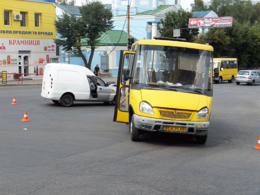 В Кропивницком произошло ДТП с участием маршрутки (ФОТО), фото-6