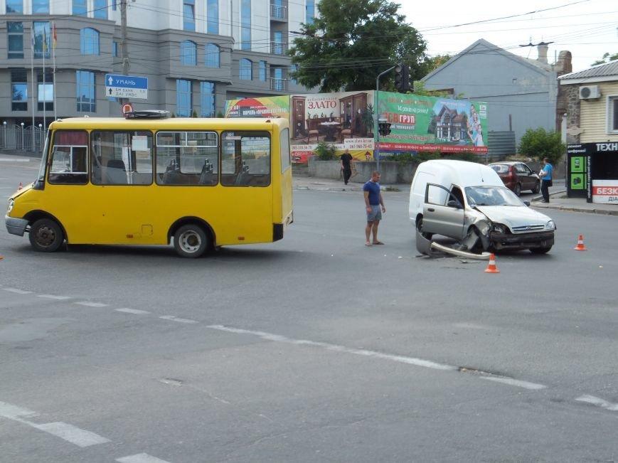 В Кропивницком произошло ДТП с участием маршрутки (ФОТО), фото-4