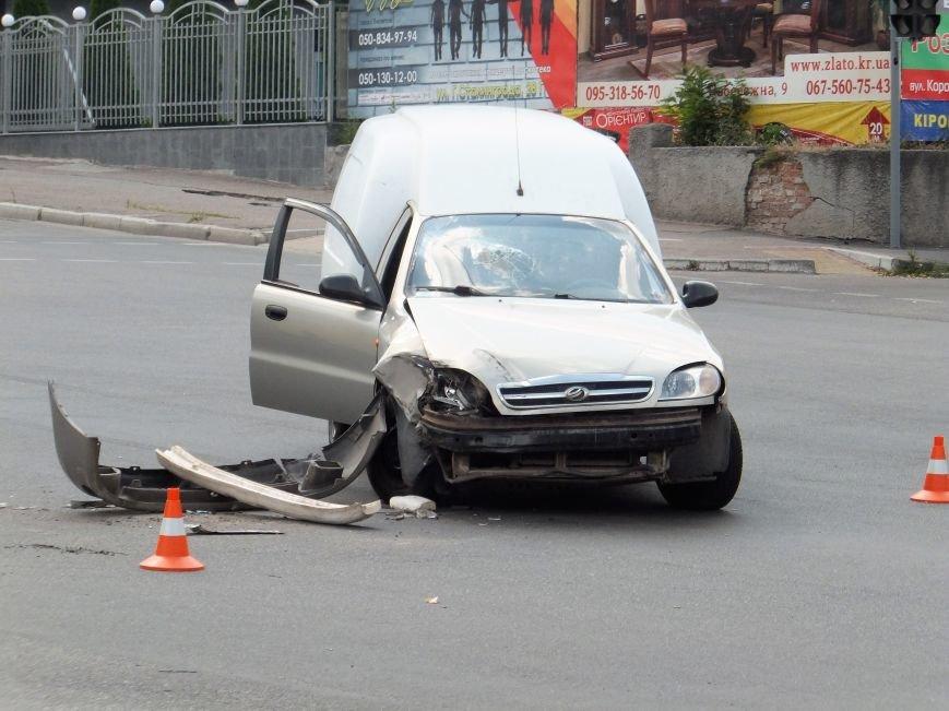 В Кропивницком произошло ДТП с участием маршрутки (ФОТО), фото-2
