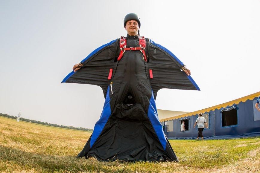 Бойцы, получившие тяжелейшие ранения в АТО, впервые прыгнули с парашютом (ФОТО), фото-11
